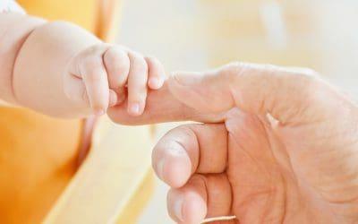 Por qué aprender signos para bebés